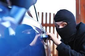 Per rubare una macchina bastano 55 sec